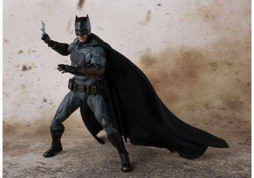Figurka Justice League S.H. Figuarts - Batman 15 cm
