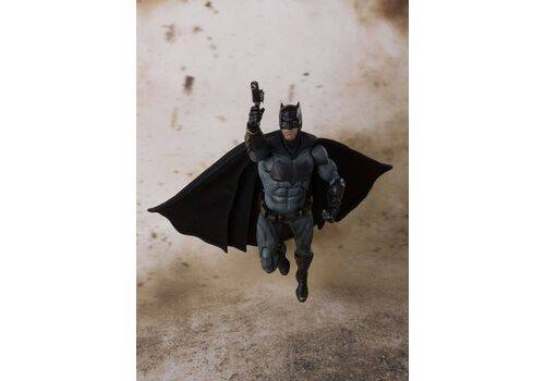 Figurka Justice League S.H. Figuarts - Batman 15 cm